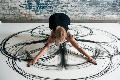 Artist Tracks Her Own Kinetic Movement Directly Onto Paper