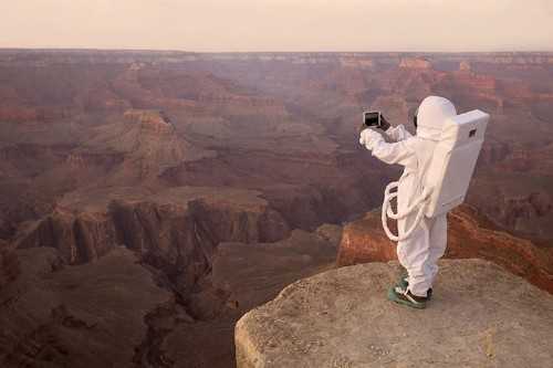 Photographer Visualizes Mankind's First Steps on Planet Mars