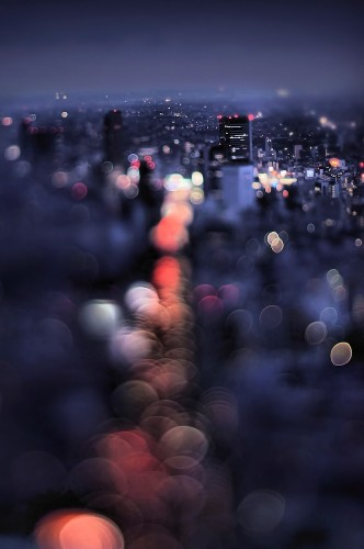 Magical Tokyo Cityscapes Seen Through Colorful Bokeh