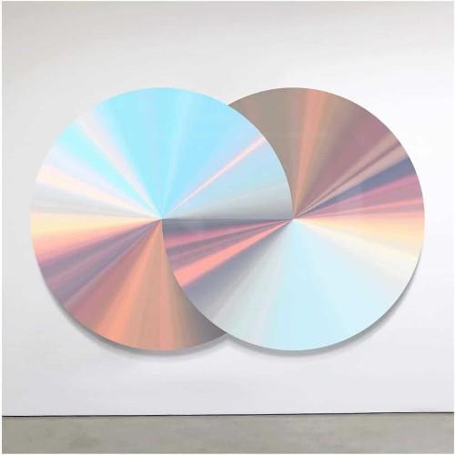 "Artist Interprets the ""Energy of Life"" as Mesmerizingly Iridescent Wall Sculptures"