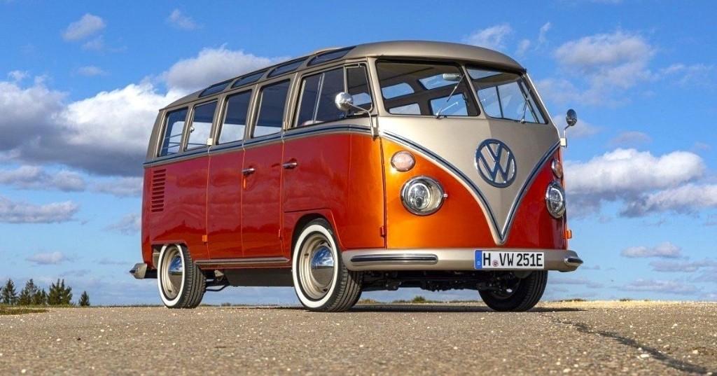 Volkswagen convierte su icónica van vintage en un moderno vehículo eléctrico