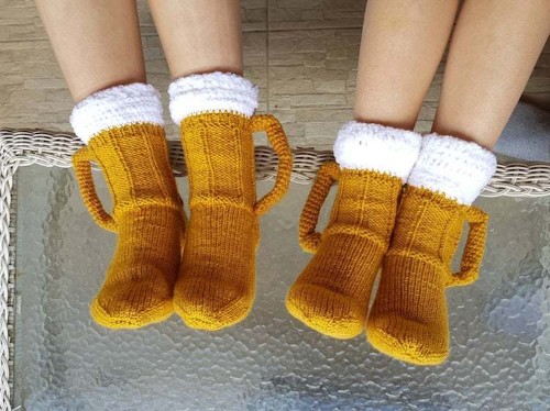Hand-Knitted Beer Socks Look Just like Two Pints of Ale for Your Feet