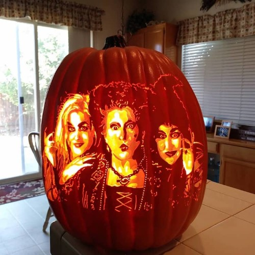 Jack-O'-Lanterns Glow With Incredible Pop Culture-Inspired Designs