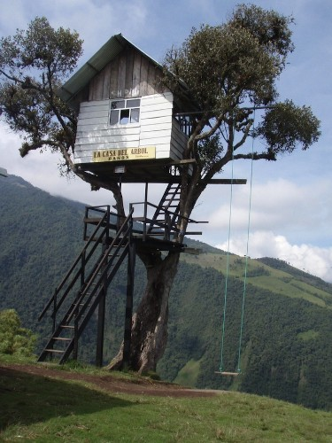 """Swing at the End of the World"" is Located Off a Giant Cliff"