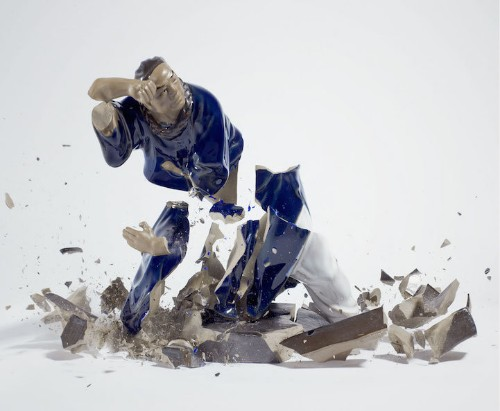 Photos Capture Dueling Porcelain Figurines the Moment They Shatter on the Ground