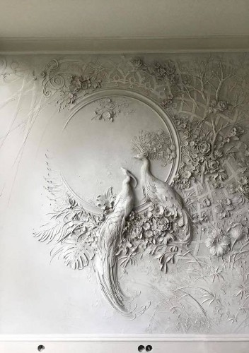 Artist Brings Rooms to Life With Impressionist-Inspired Relief Sculptures on Walls