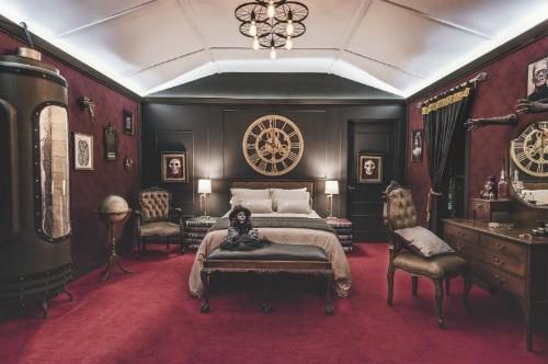 Hospédate una suite inspirada en las cintas de Guillermo del Toro