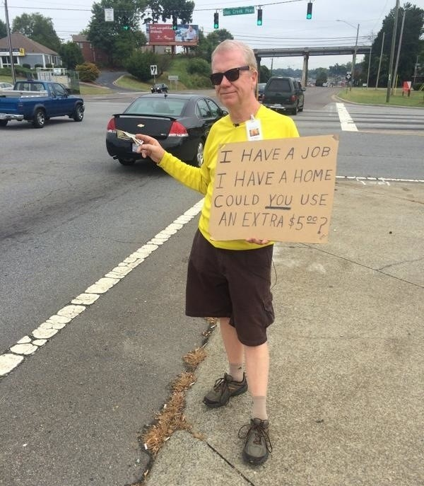 Generous Man Celebrates Birthday by Handing Out $5 Bills to Strangers in the Street