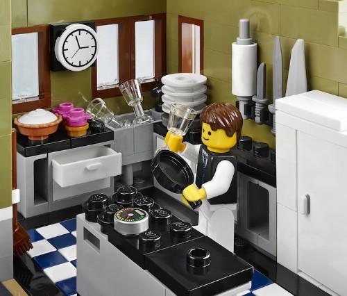 LEGO's Beautifully Detailed Parisian Restaurant