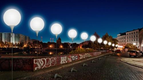 Berlin Wall Being Rebuilt in a Dazzling Display of 8,000 Glowing Orbs