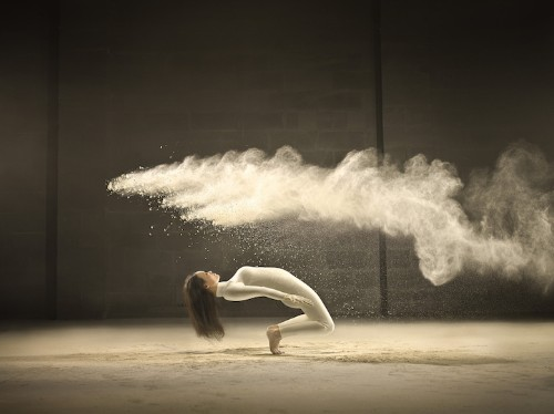 Dynamic Portraits of Acrobatic Dancer and Bursts of Powder Frozen in Time