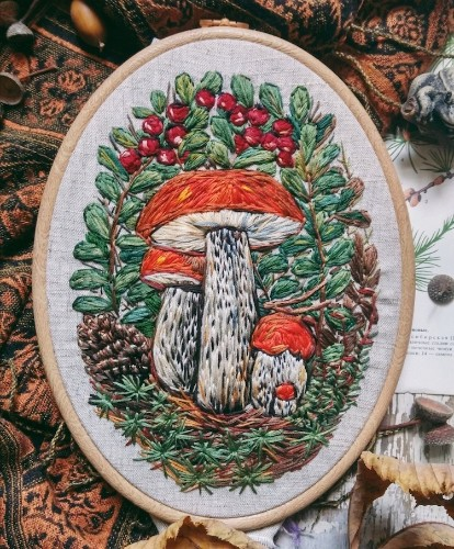 Vintage-Inspired Embroidered Jewelry Captures Lovely Magic of Nature