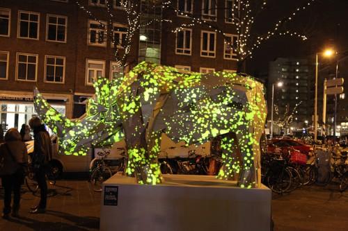Interactive Light Projections Produce Futuristic Sculptures