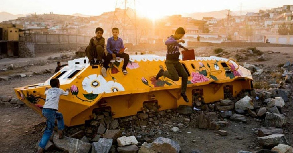 Artist Transforms Abandoned War Tanks in Kabul Into Colorful Works of Art