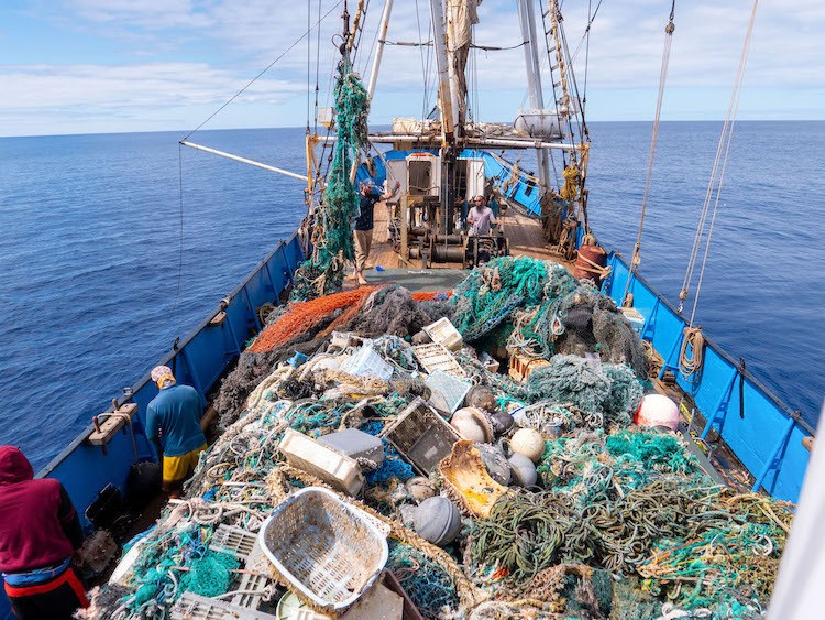 Largest Ocean Cleanup Hauls 103 Tons of Plastic From the Pacific Ocean