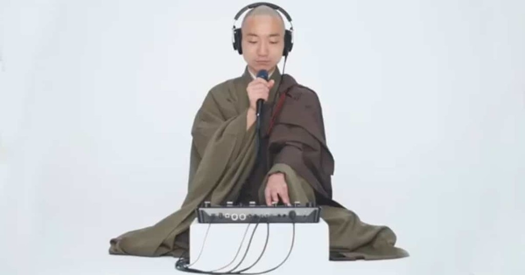 Beatboxing Buddhist Monk Creates Hypnotic Meditation Music With His Own Voice