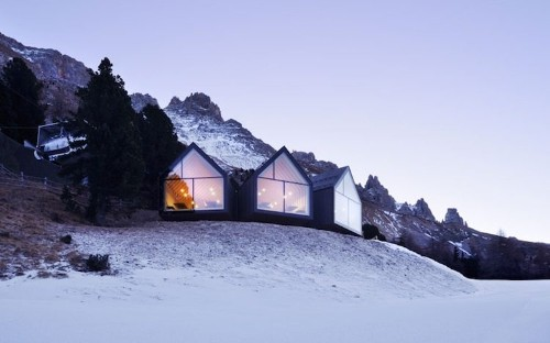 Picturesque Mountain Hut Offers Modern Luxury Off the Dolomite Slopes
