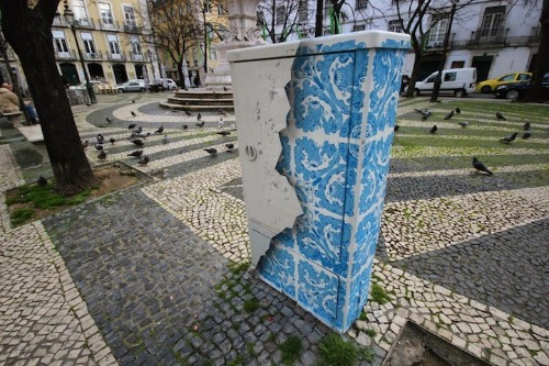 Portuguese Street Artist Decorates Electrical Box with Ornate Tile Patterns