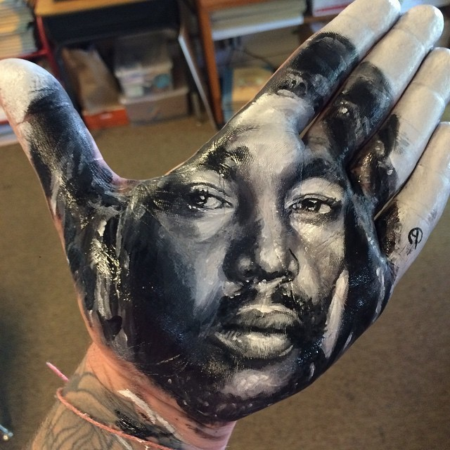 Artist Paints Stunningly Realistic Portraits on His Hand and Stamps Them on Paper