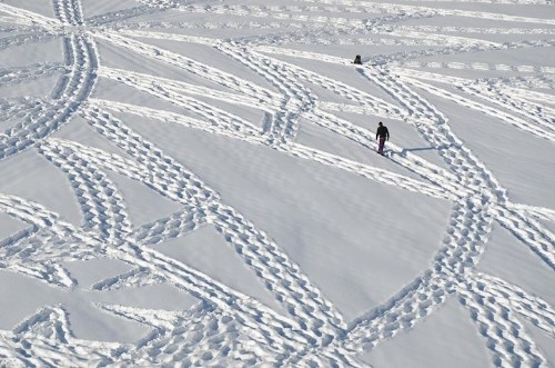 Man Walks All Day to Create Massive Snow Patterns (Part 3)