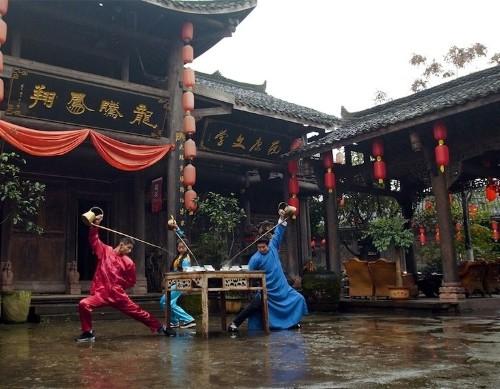 Mesmerizing Chinese Tea Ceremony Uses Kung Fu Moves