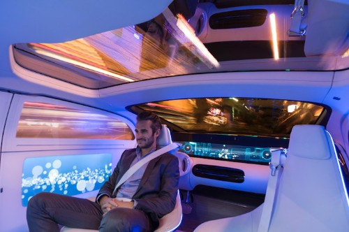 Mercedes-Benz Unveils Self-Driving Luxury Vehicle Concept at CES 2015