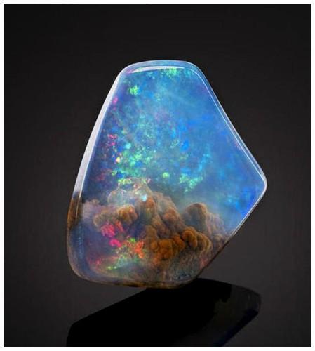Gorgeous Gemstone Looks Like a Nebula is Trapped Inside