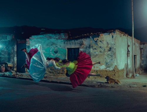 "Empowering Photo Series Shines a Light on the ""Flying"" Female Luchadoras of Bolivia"