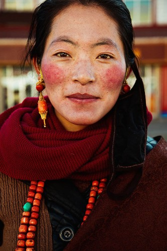 Photographer Travels the World to Capture the Diversity of Beauty in 37 Different Countries