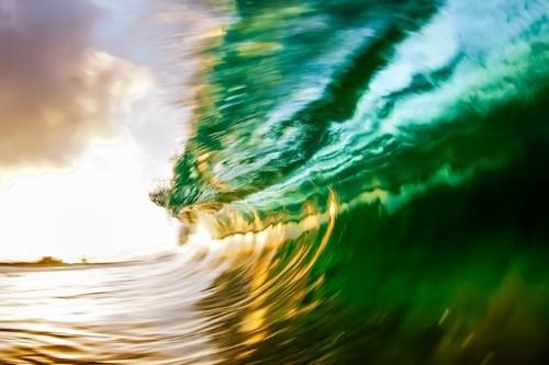 My Modern Shop Spotlight – Kenji Croman's Breathtaking Wave Photography