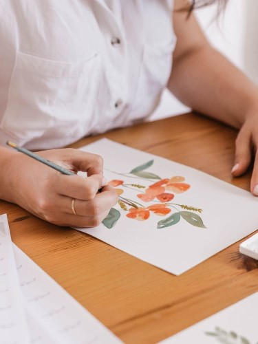 """This Step-by-Step Tutorial Shows You How to """"Grow"""" Watercolor Flowers on Paper"""