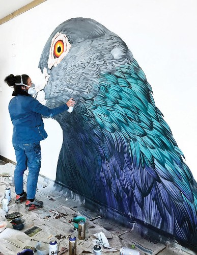 Massive Paintings of Pigeons Reveal the Street Birds' Unexpected Beauty