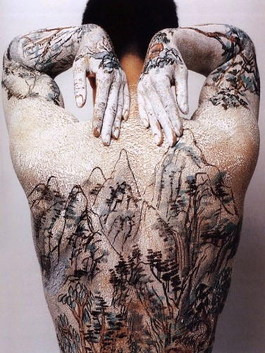Beautiful Chinese Landscapes Painted on the Human Body