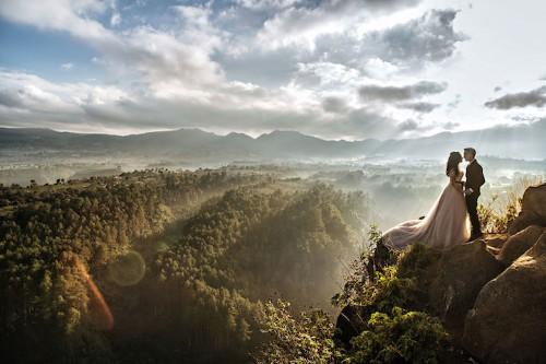 21 Stunning Wedding Photos Captured in Breathtaking Destinations around the World