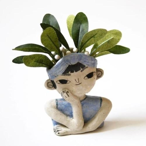 "Charming ""Pondering Planters"" Make Your House Plants Look Like Fun Hairdos"