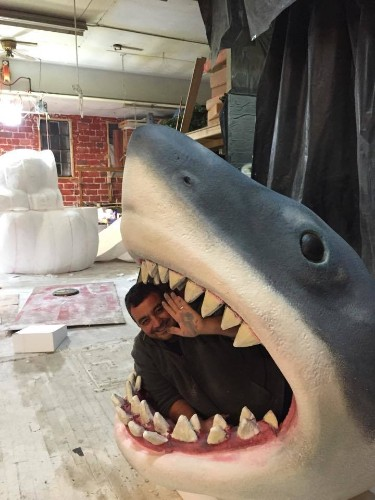"Fantastically Terrifying Baby Bed Recreates the Movie ""Jaws"""