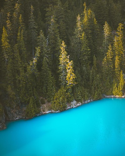 Nomadic Photographer's Travels Lead Him to the Bluest Water He's Ever Seen