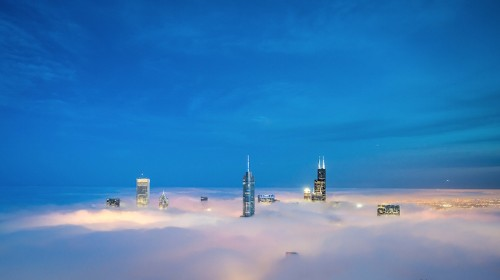 Spectacular Photos of Chicago's Skyscrapers Piercing Layers of Fog and Clouds