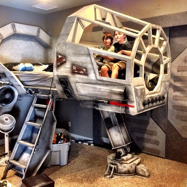 Dad Turns Star Wars' Millennium Falcon Cockpit Into Awesome Bed for His Son