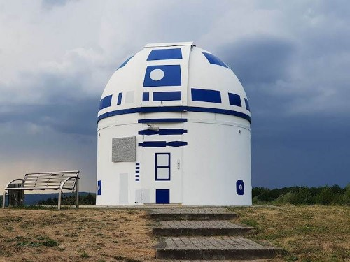 German Science Professor Transforms University Observatory into Giant Replica of R2-D2