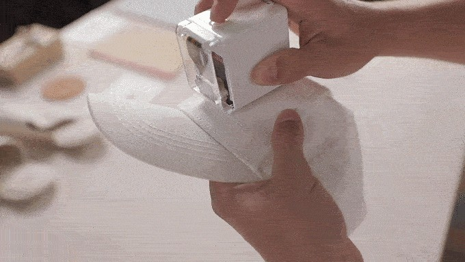 World's Smallest Mobile Printer Lets You Transfer Ink onto Any Surface