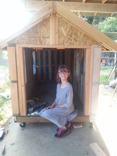 9-Year-Old Activist Spends Her Free Time Building Small Shelters for the Homeless