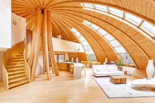 UFO-Inspired Dome House Can Rotate to Let Sunlight in From Multiple Angles