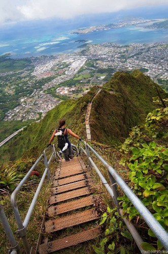 4,000 Steel Stairs Lead Up to Spectacular Views of Hawaii
