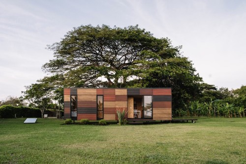 Modular Mobile Home Offers Easy Transport and Assembly for Living Off-the-Grid in Style