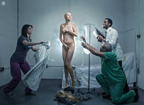 """Courageous Cancer Patient Recreates the """"Birth of Venus"""""""