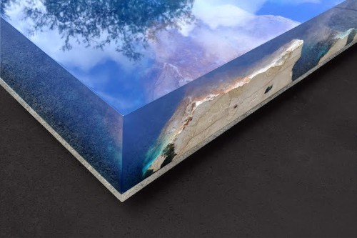 Natural Stone and Resin Table Brings the Beauty of a Starry Night on the Beach Indoors