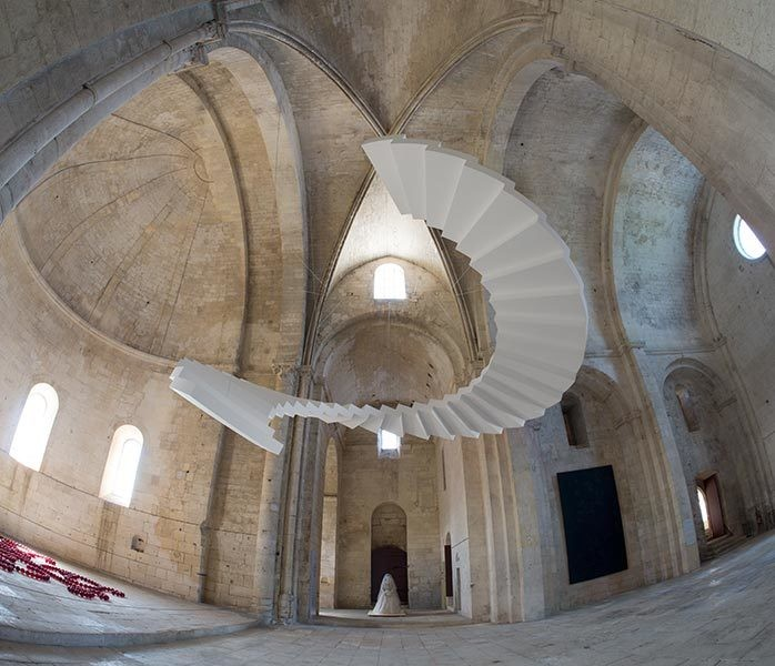 Sculptural Staircases Elegantly Dance in Mid-Air