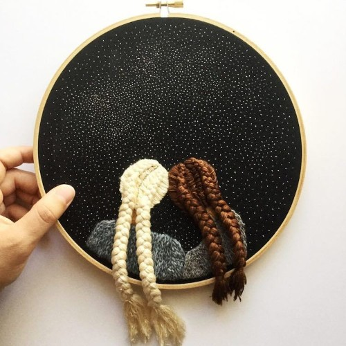 Artist Embroiders 3D Hairstyles of People Enjoying a Clear Night Sky