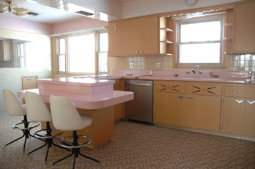 Man Buys House with Unused and Perfectly Preserved 1950s Kitchen